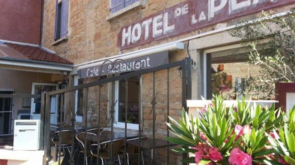 Terrasse - Hotel Restaurant de la Place, Loyettes