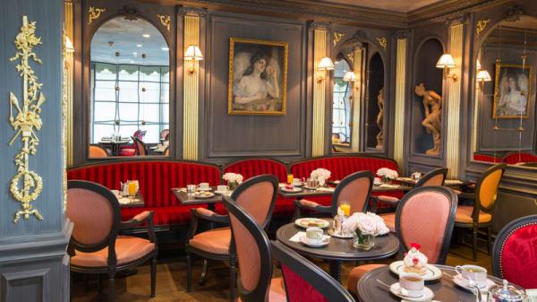 Salle - Restaurant Ladurée Roissy 2F, Le Mesnil-Amelot