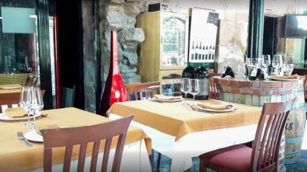 Vista del interior - La Portada · Bar Asador de Javier, Carrejo