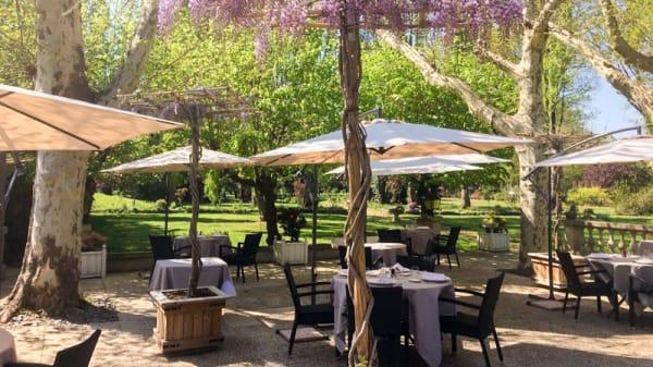 Terrasse - La Maison des Bois, Plaisir