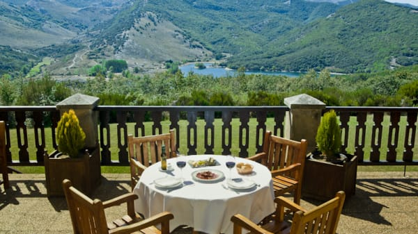 Vista terraza - Restaurante del Parador de Cervera de Pisuerga, Cervera De Pisuerga