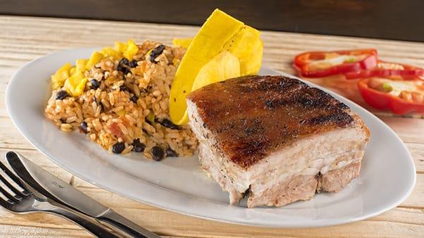 Sugerencia del chef,Lechón Asado - Cubanita Son y Sazón de la Habana, Bogotá