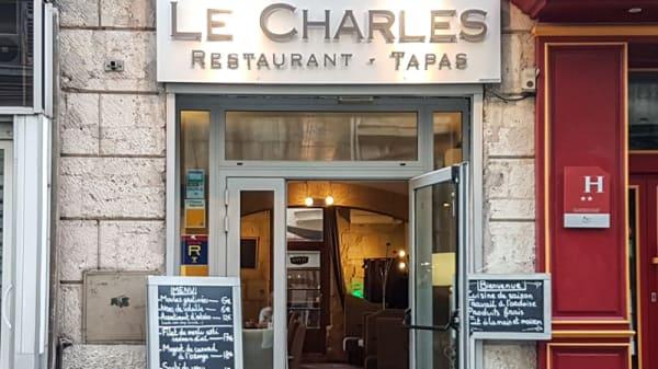 Devanture - Le Charles, Marseille