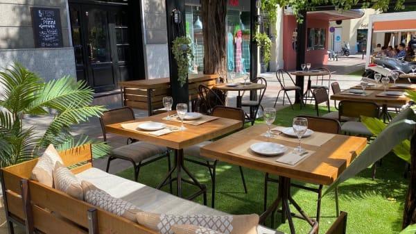 Terraza - Figaro Pizza Bar, Madrid