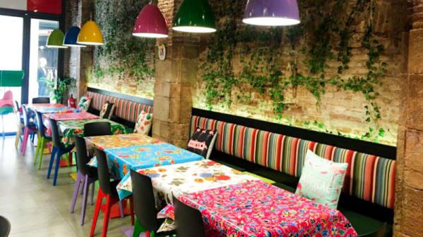 Vista del interior - Cantina Mexicana La Hacienda - Esparteria, Barcelona