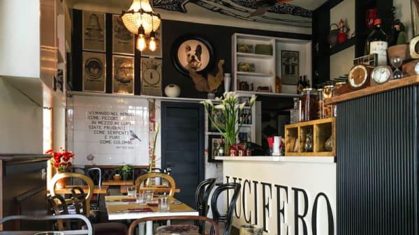La sala del ristornate - Lucifero Restaurant & Cocktail, Viareggio