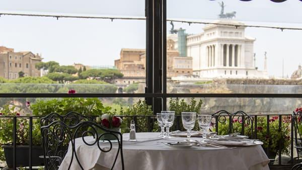 Vista della terrazza - Roof garden, Roma