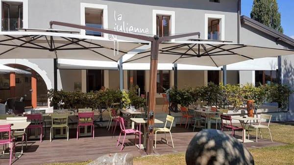 Extérieur - Café Julienne, Plan-les-Ouates