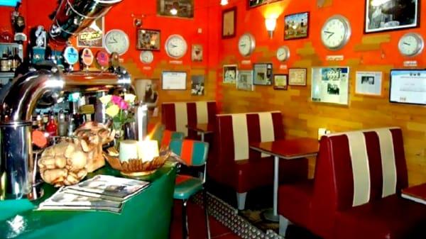 Vista sala - L'Orabeffa Music Bistrot, Brindisi