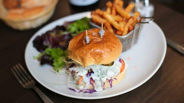 Burger végétarien, bun maison - Il était un square, Paris