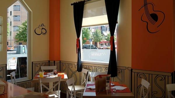 Vista sala - L'Algarabía, Madrid