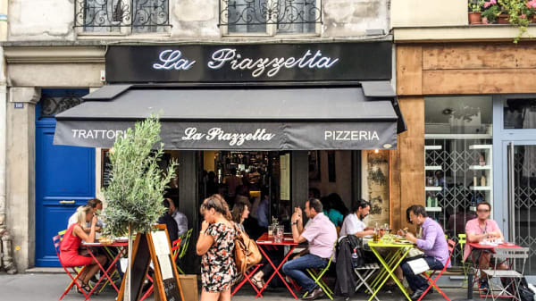 la façade - La Piazzetta, Paris