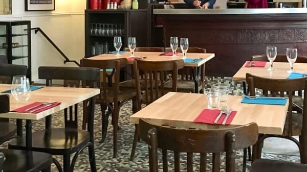 Salle du restaurant - Politicafé, Paris