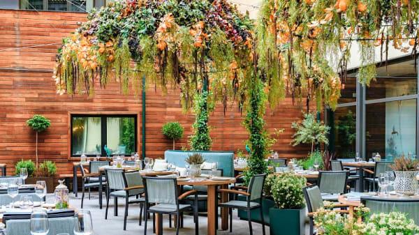 Terraza Exterior - Nomad Food & Bar - Hotel Vincci Soho, Madrid