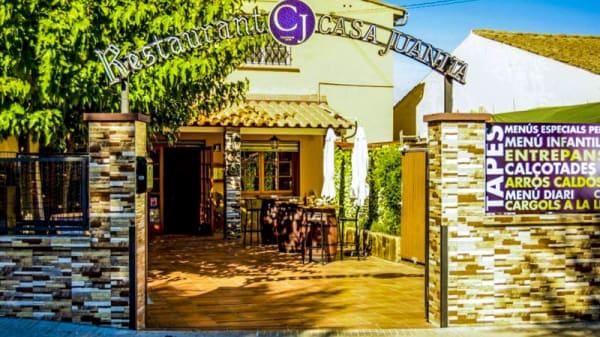 Entrada - Casa Juanita, Montcada I Reixac