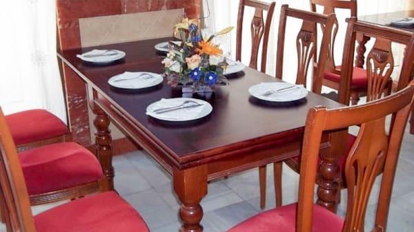 Vista de una mesa - Rincón de La Buhaira, Sevilla