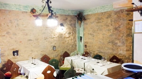 La sala - Tarallucci e Vino trattoria Vineria, Marina di Camerota
