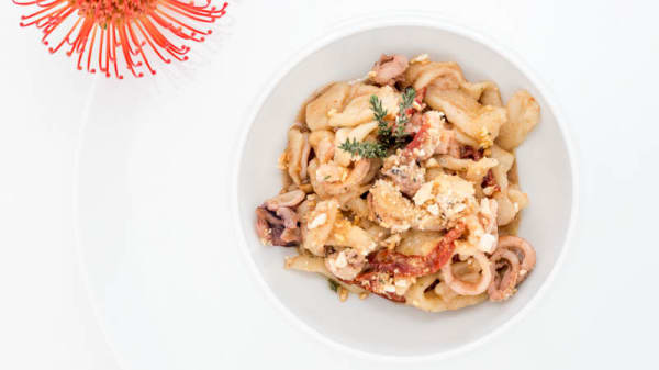 Scialateli con calamari e polvere di pomodoro - Il Saporoso, Sottomarina