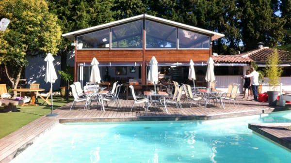 Terrasse bord de piscine - La Maison du Tennispart, Aix-en-Provence