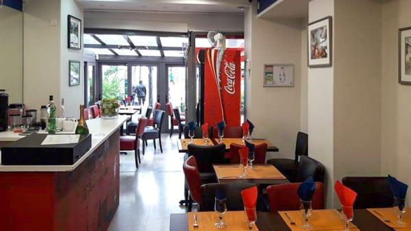 Salle du restaurant - CEVICHERIA BON BON GOBELINS, Paris