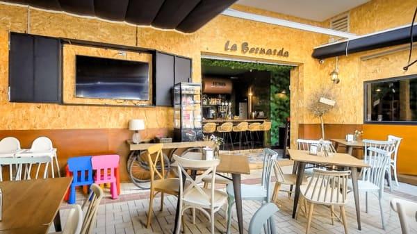 Entrada - La Bernarda, Málaga
