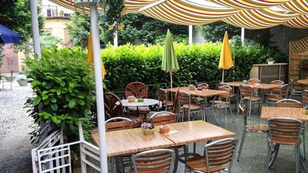 Terrasse - Aux Couleurs de l'Arc en Ciel, Yverdon-les-Bains