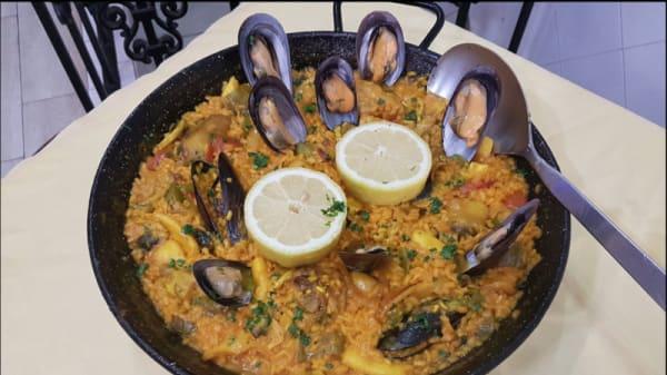 Taberna la Peseta - Taberna La Peseta, Madrid