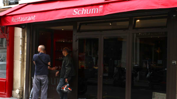 Schum, Paris