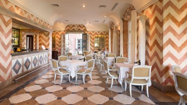 Vista de la sala - La Loggia - Hotel Villa Padierna Palace, Marbella