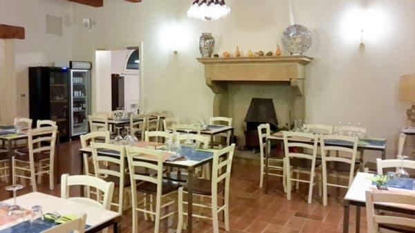 interno - Palis, Pesaro