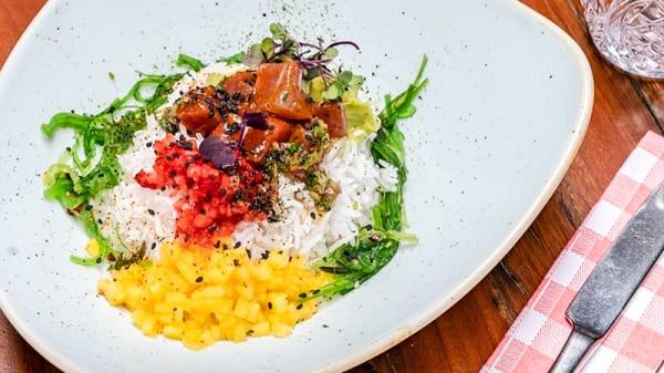 Poké shirashi - Restaurante Entremuros - Hotel Vincci Posada del Patio, Málaga