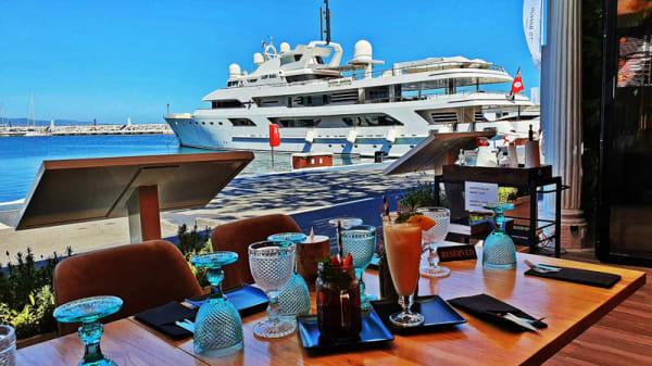 Vista de la sala - Amore e Fantasía, Marbella
