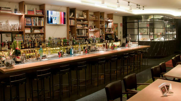 Barra - The Academy-Dry Martini, Barcelona