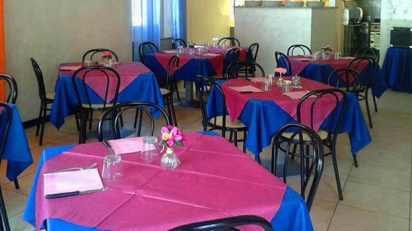 Sala - Pizzeria Trattoria Pulcinella, Pizzano
