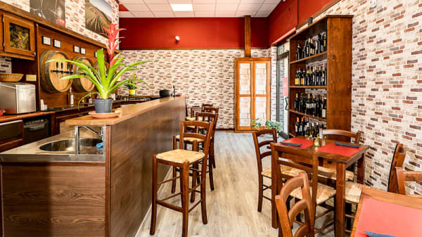Vista sala - La Cantina dei Sapori Wine Bar, Guidonia Montecelio