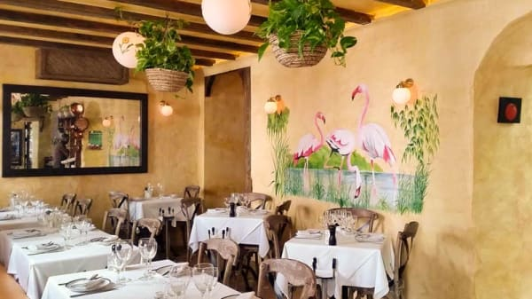 sala - Café Flore, Marbella