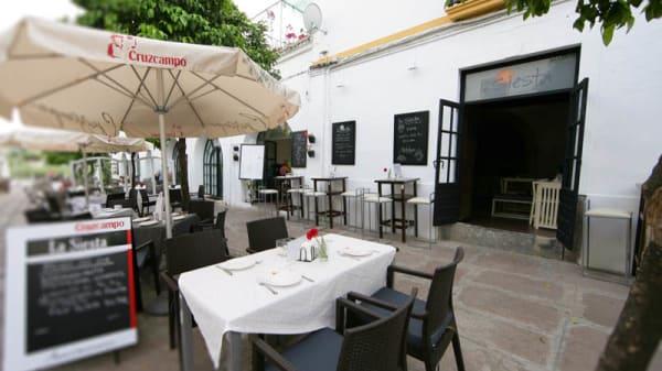 Vista fachada - La Siesta Lounge, Córdoba