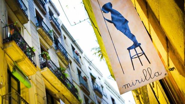 Exterior - Mirilla, Barcelona