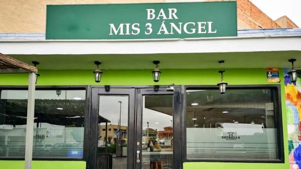Entrada - bar mis 3 angel, Mula