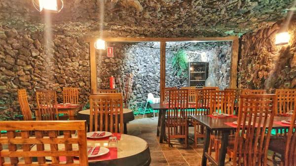 Cueva interior - La Cueva de Nemesio, Arafo