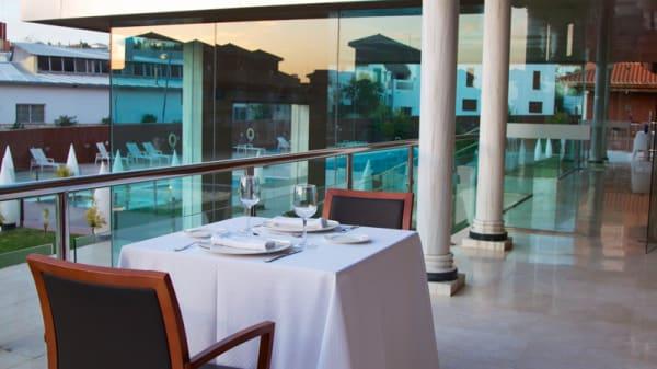 Terraza - Atrium Restaurante, Barrio De La Vega