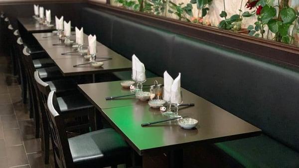 vue de la salle - Simple Sushi, Montrouge