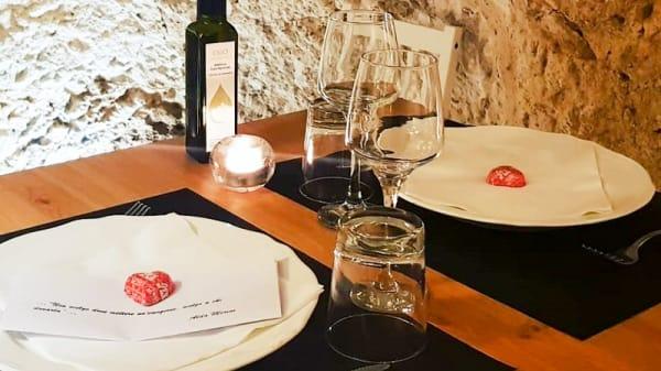 Particolare tavolo - Vicolo 43 bistrot & pizza, Ostuni