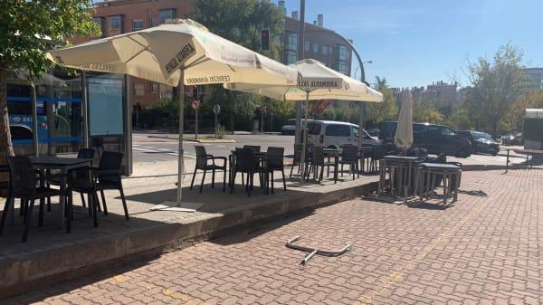 El Séquito Bar, Madrid