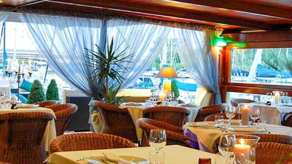 Salone ristorante - Docking 9, Fiumicino