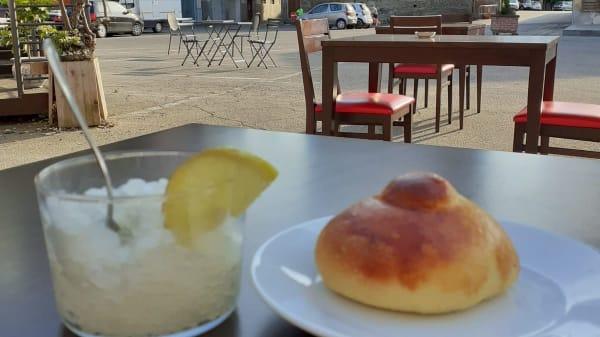 Brioche e granita di limone - diVino - Osteria Winebar, Dogliani