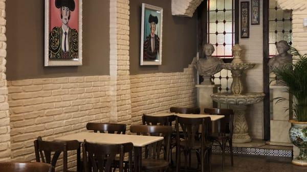 zona de barra - Bar El Pelícano, Sevilla