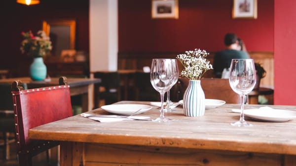 Restarrant - Merlot Garden Bar & Restaurant, London