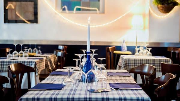 Sala del ristorante - Ostriche & Vino (Navigli), Milan