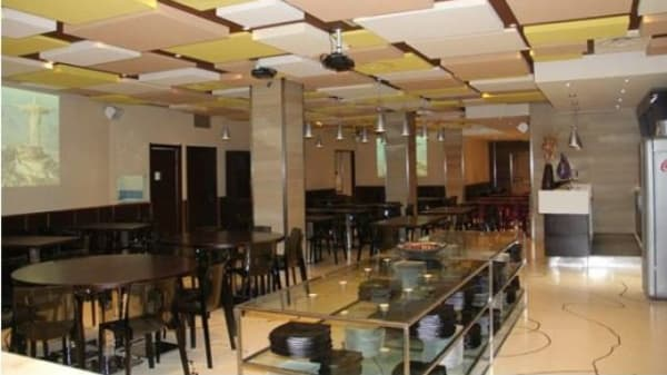grande sala con tavolo per il buffet - Picanhas - Sifen Wok, Cagliari